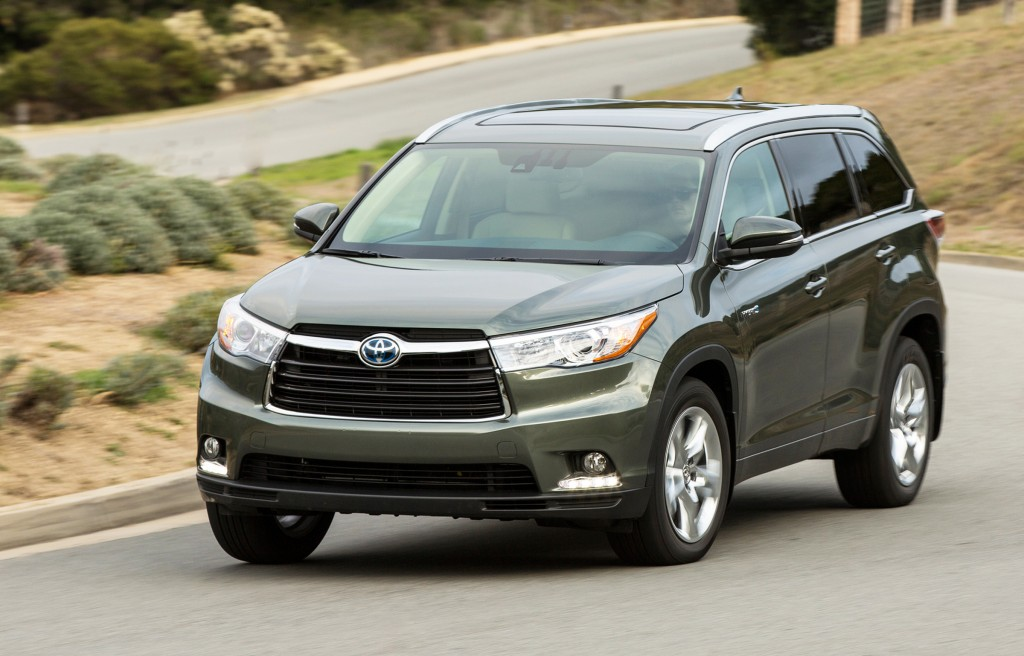 The family-friendly Toyota Highlander gets a fresh design for 2014. The body has a sleek, modern look, while the interior gets a more premium feel and new standard features.