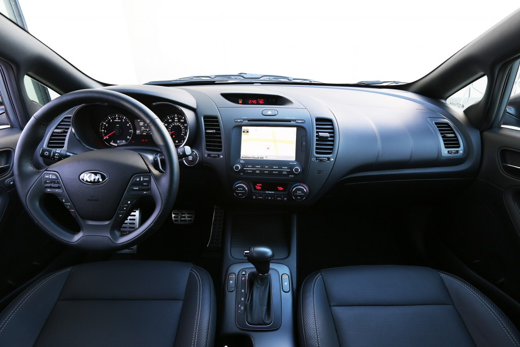 Push-button start and a nicely designed digital interface, UVO, are among the features on the Forte5's top trim level.
