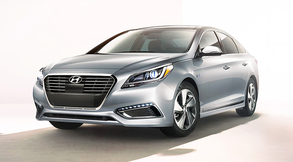 With the 2016 model, the Hyundai Sonata Hybrid is entering its second generation. It's a much smoother, more sophisticated hybrid than its first-generation predecessor.