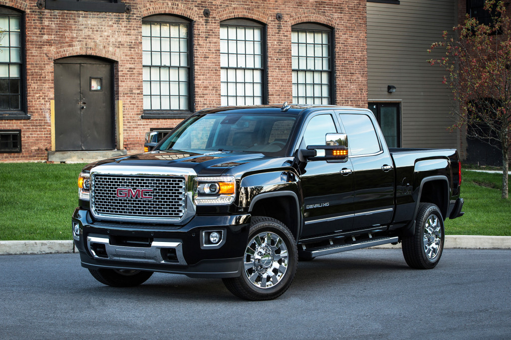 The GMC Sierra HD Denali is a good-looking, luxurious pickup that can do heavy-duty jobs. A new digital power steering system can change the response based on current speeds and conditions.