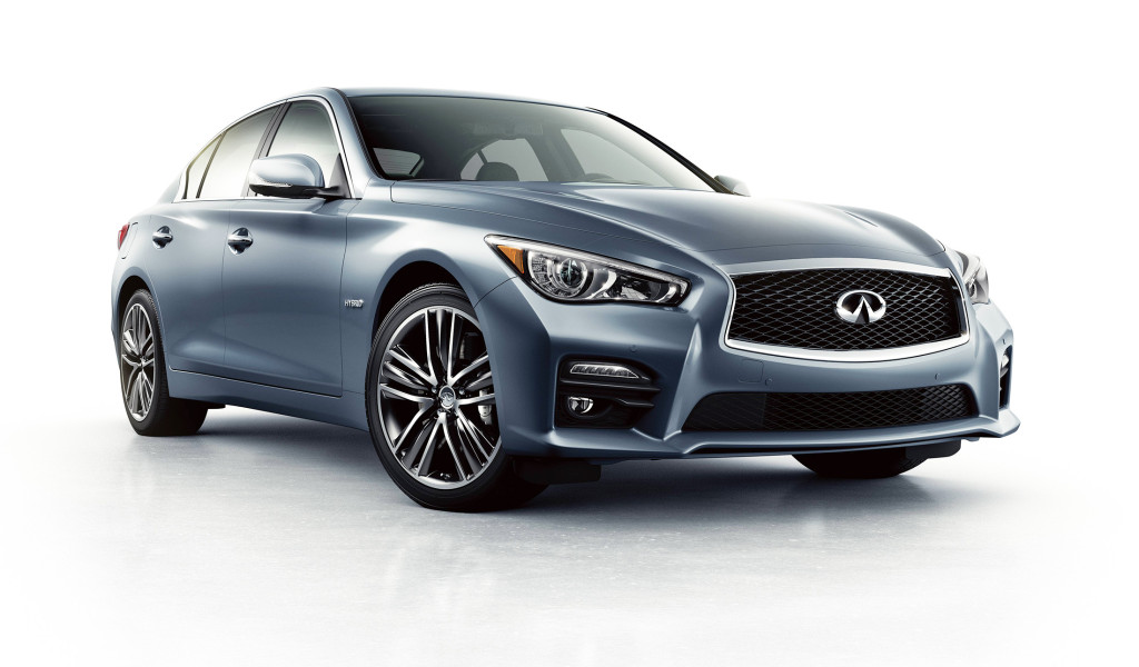 Sleek, muscular lines on the Infiniti Q50 hint at its performance. This rear-wheel-drive sports sedan rewards drivers with its power, handling and sumptuous interior.