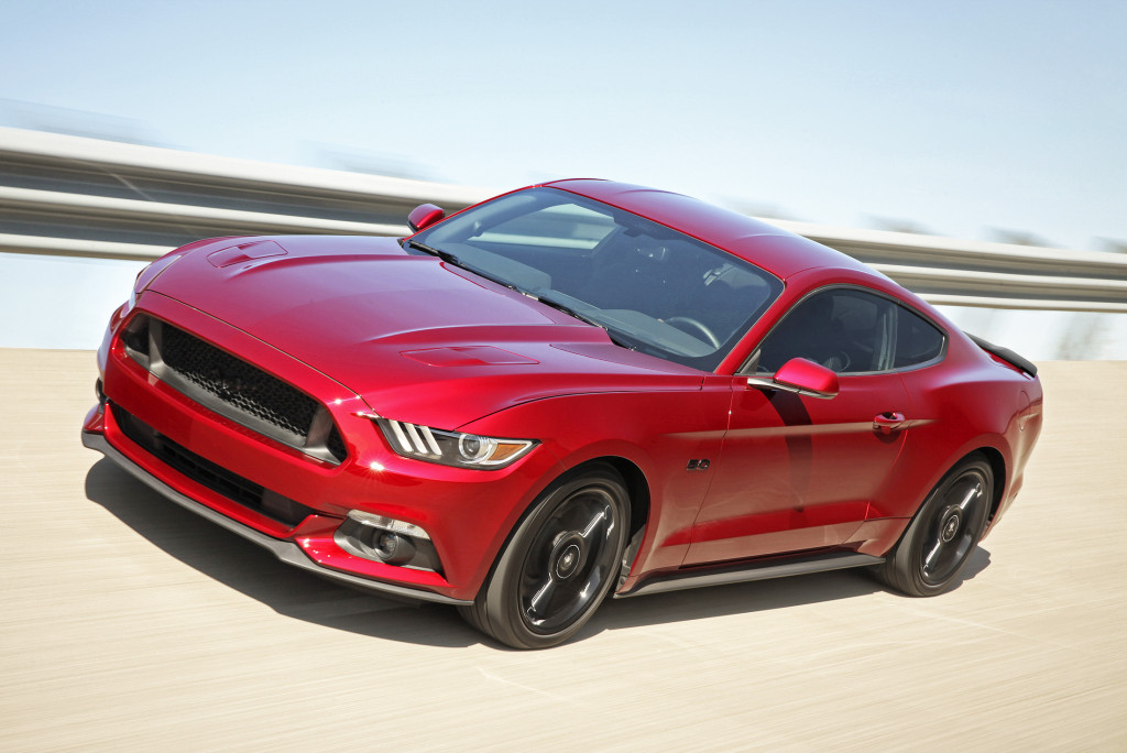 The new-generation Ford Mustang has stunning good looks. It's instantly recognizable as a Mustang with long doors and a sweeping fastback roofline that show it's proud of its heritage.