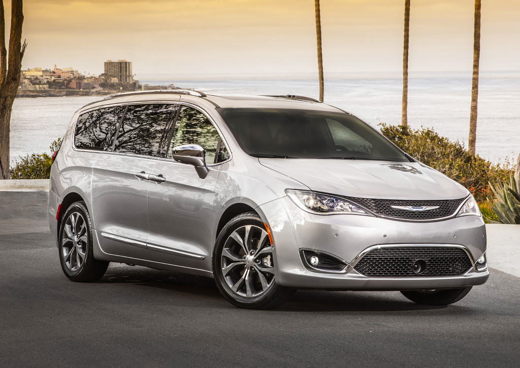 The Chrysler Pacifica does a brilliant job hiding its minivan bones from the outside. It combines the pretty nose of the Chrysler 200 with rear styling elements of a luxury crossover to mask its familiar, boxy dimensions.