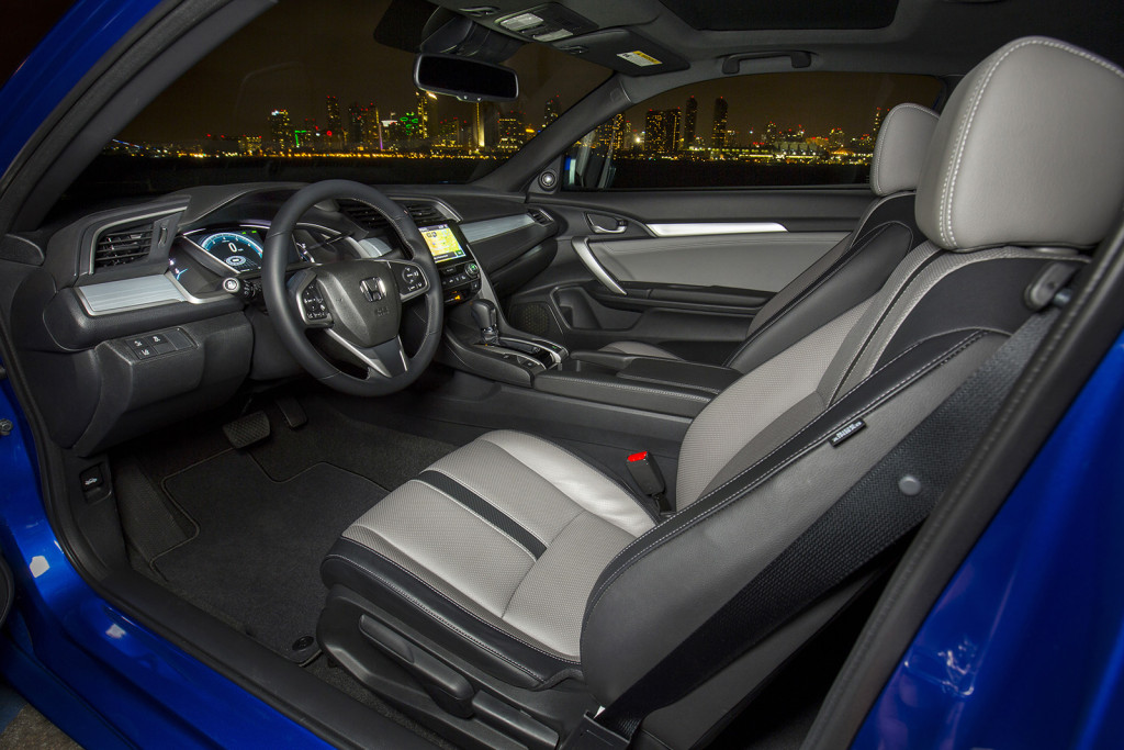 The Civic's interior has a space-age look to go with its nice quality and practical layout. It's reminiscent of the futuristic cabins Honda used in the 1980s.